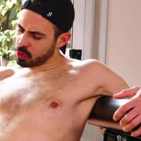 """Koldo Goran: """"Um cara me viu e sugeriu que eu fizesse pornô"""""""